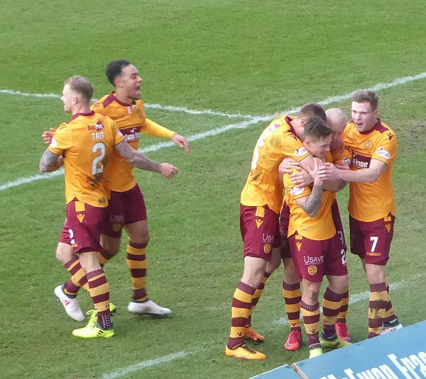 Up for the cup - Motherwell face Dundee