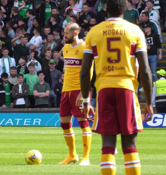 Motherwell lead twice but lose to Hibs
