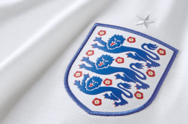 England Badge with Three Lions logo